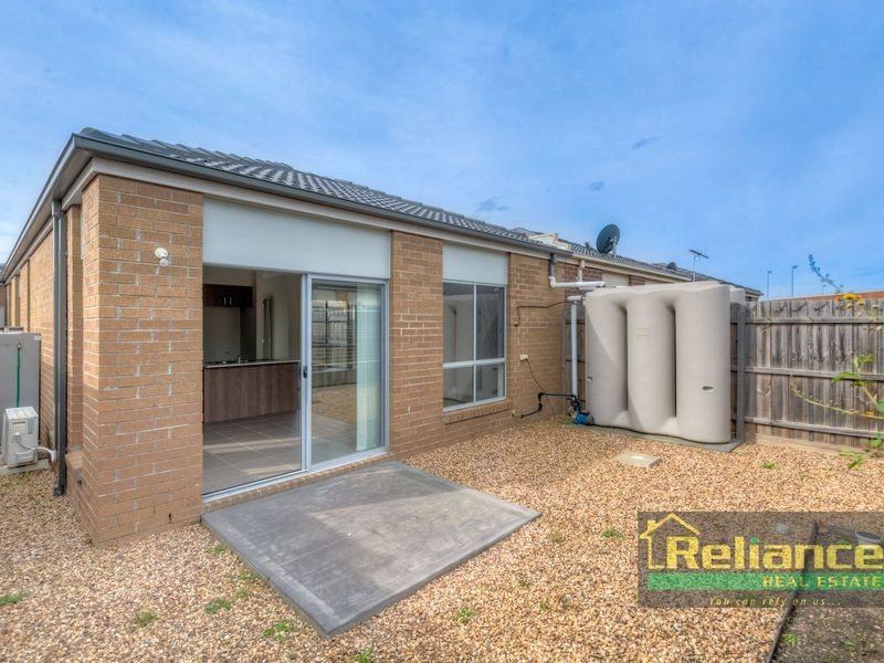 3/1 Beaurepaire Drive, Point Cook VIC 3030, Image 1