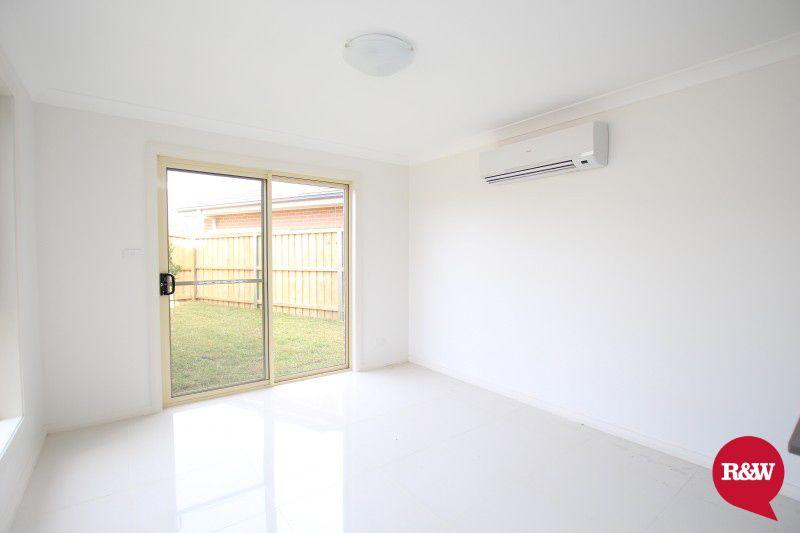 27 Gawler Avenue, Minto NSW 2566, Image 2