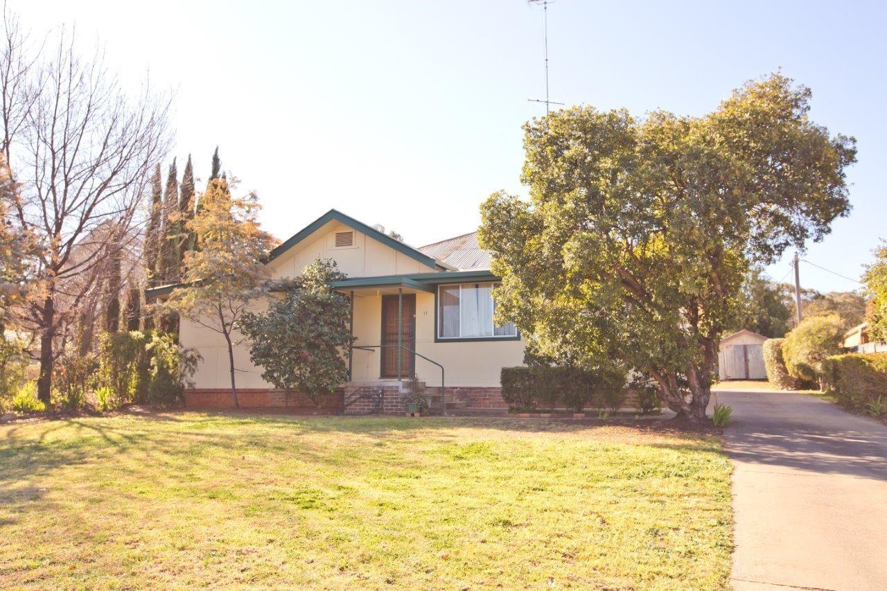 17 Carrathool Street, Griffith NSW 2680, Image 1