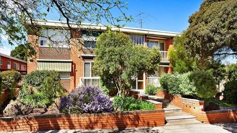 2/11 Downshire Road, Elsternwick VIC 3185, Image 0