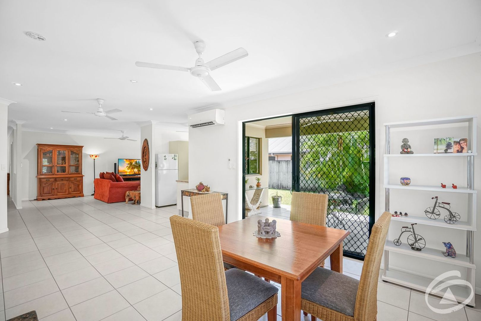 27 Charnley Avenue, Bentley Park QLD 4869, Image 2