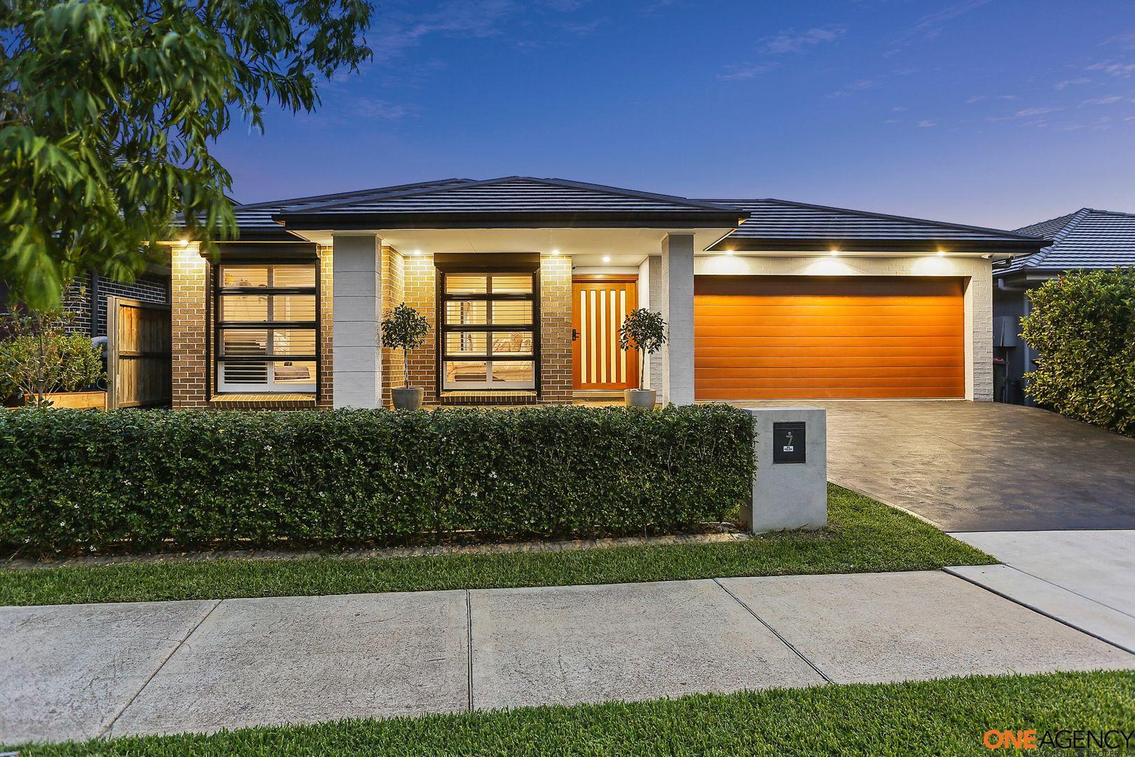 7 Cloverhill Crescent, Gledswood Hills NSW 2557, Image 0