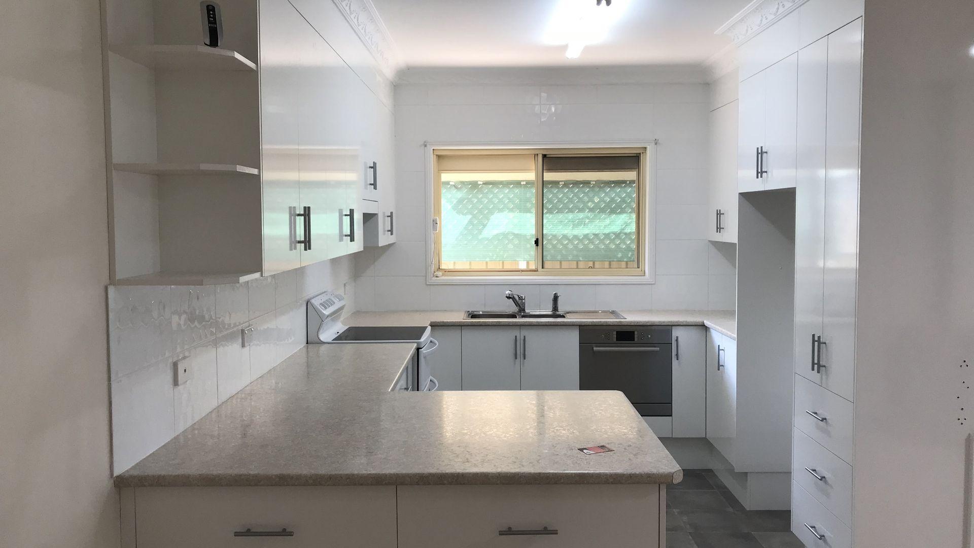 8B Dowell Avenue, Tamworth NSW 2340, Image 1