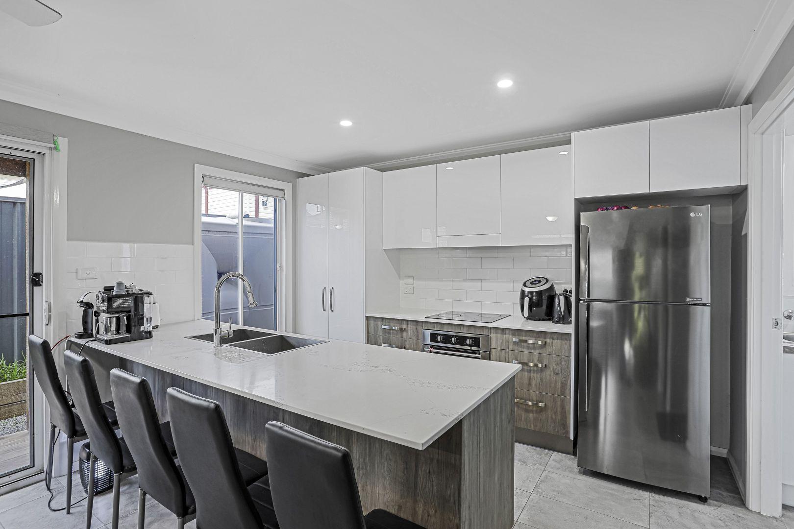 2/16A Addison Street, Beresfield NSW 2322, Image 1