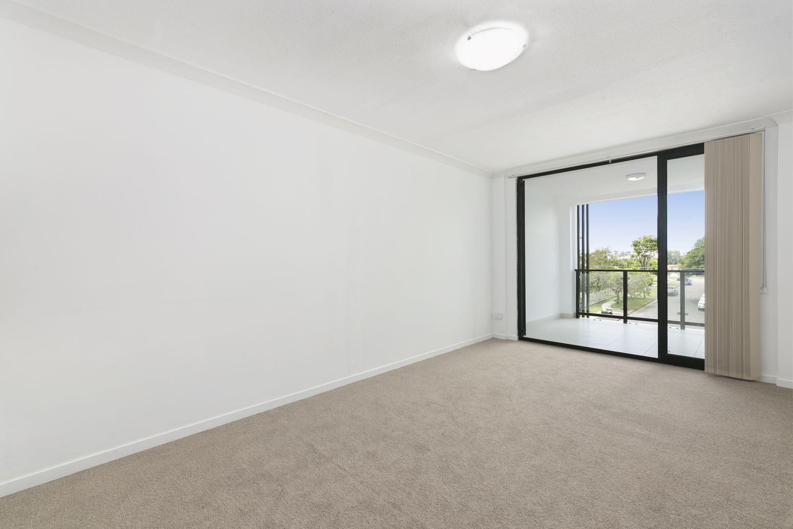 44 Mascar Street, Upper Mount Gravatt QLD 4122, Image 2