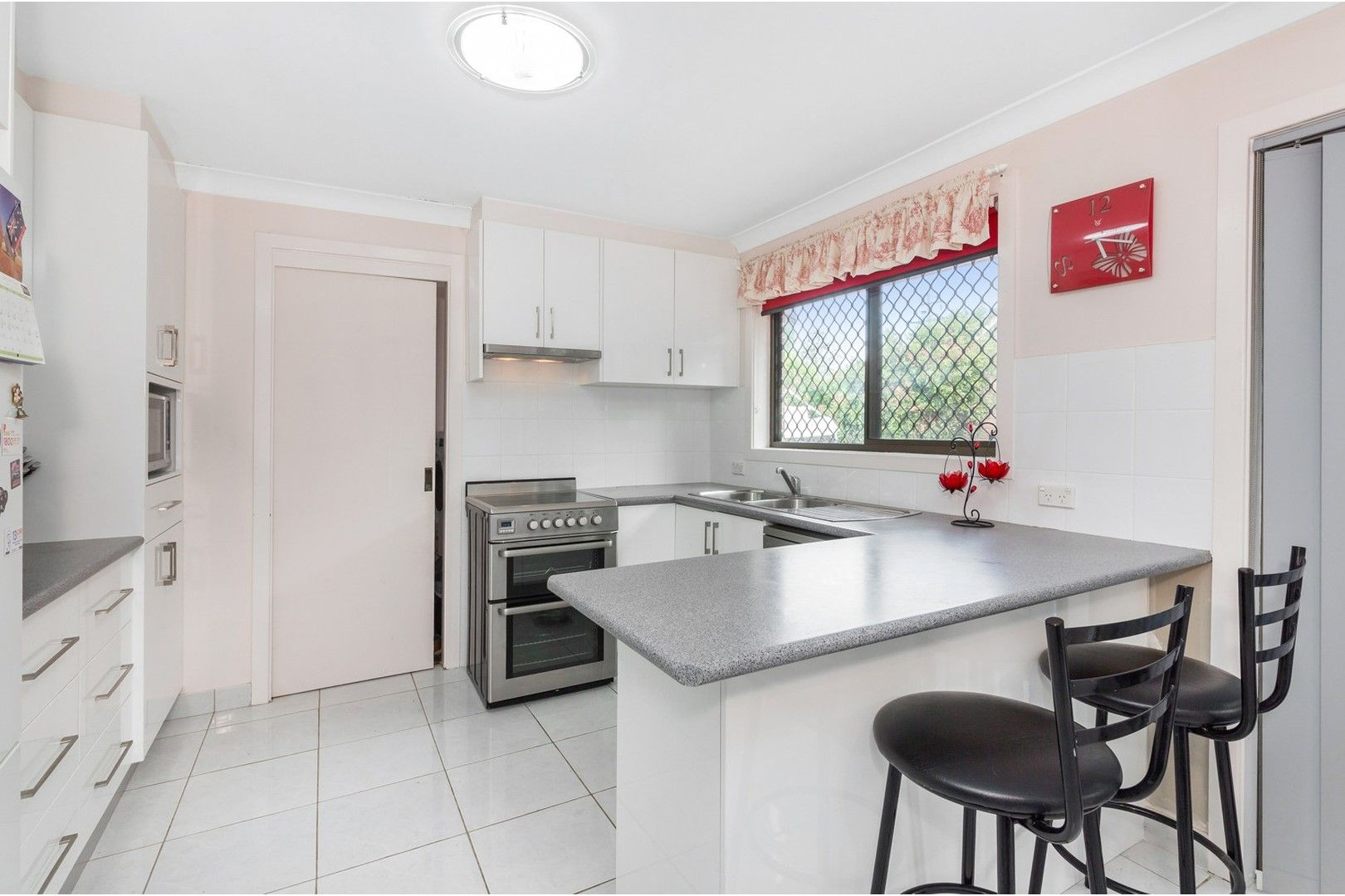 2/115 Melbourne Street, Oxley Park NSW 2760, Image 0