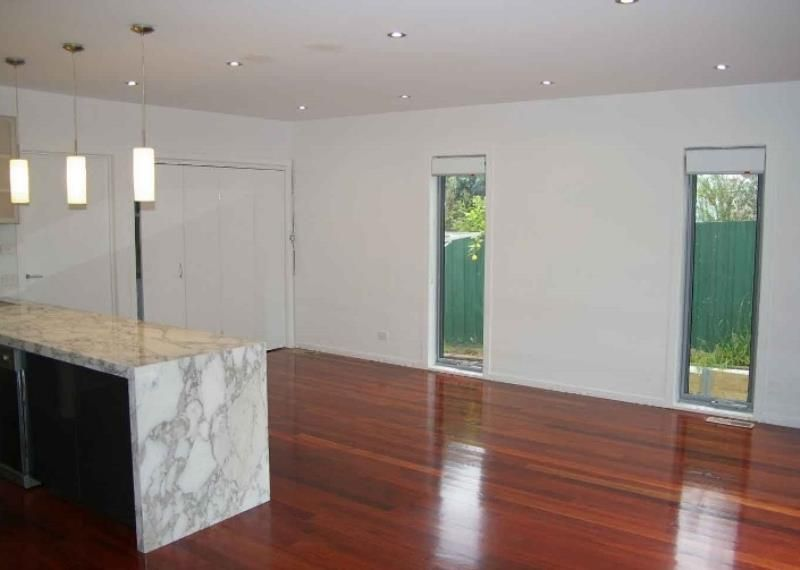 2/71 Gloucester Road, Ashburton VIC 3147, Image 2