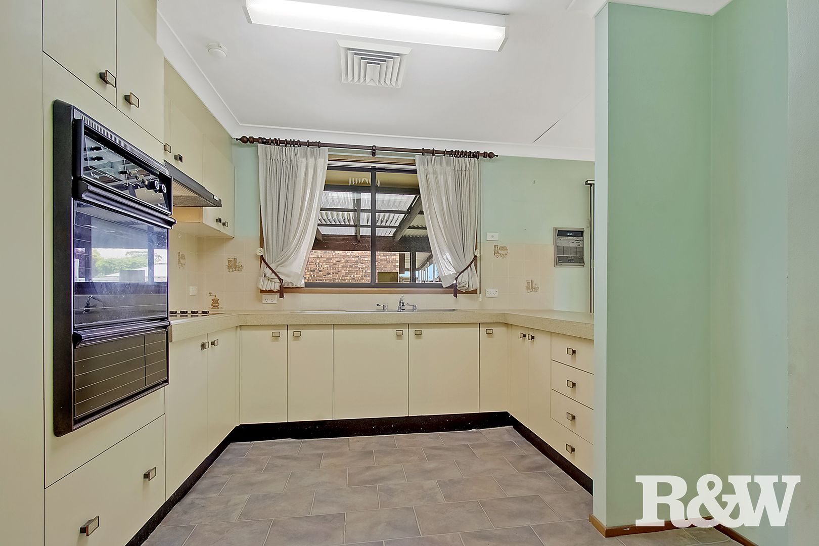 33 Banks Drive, St Clair NSW 2759, Image 1