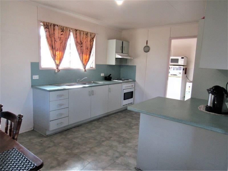 20 Wattle Street, Blackwater QLD 4717, Image 2