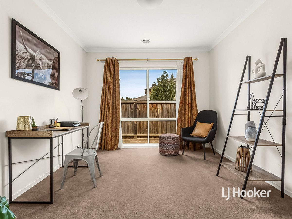 6 Windrest Way, Point Cook VIC 3030, Image 1