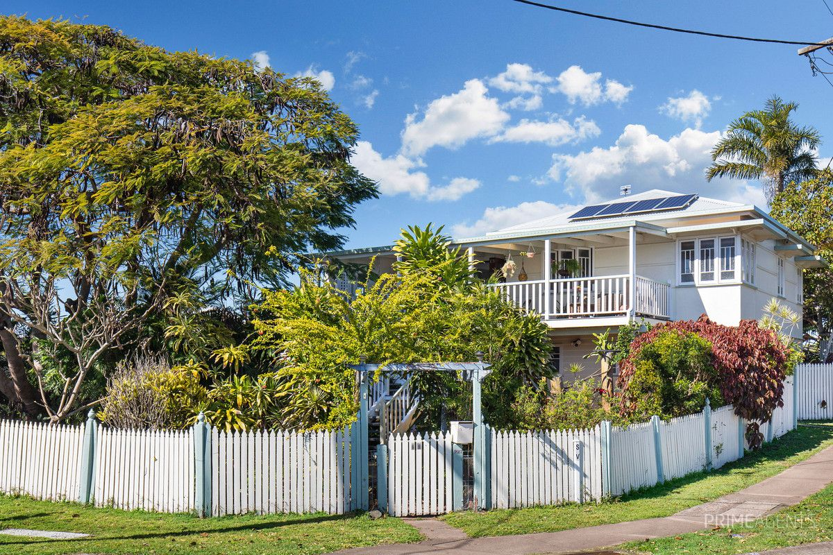 221 Cypress Street, Urangan QLD 4655, Image 1