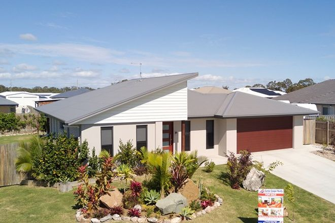 Picture of 10 Spyglass Court, PIALBA QLD 4655