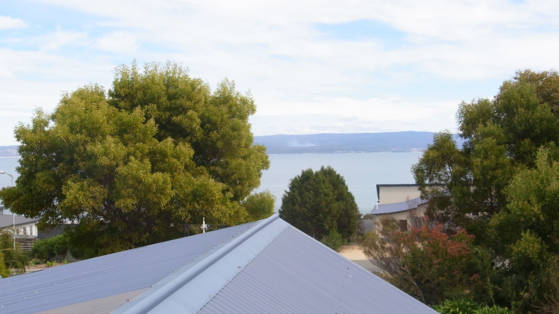 20 Oyster Bay Court, Coles Bay TAS 7215, Image 2