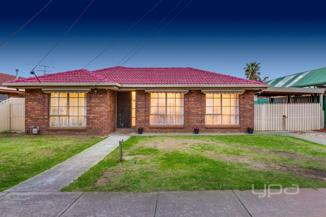 8 Weiskof Drive, HOPPERS CROSSING VIC 3029