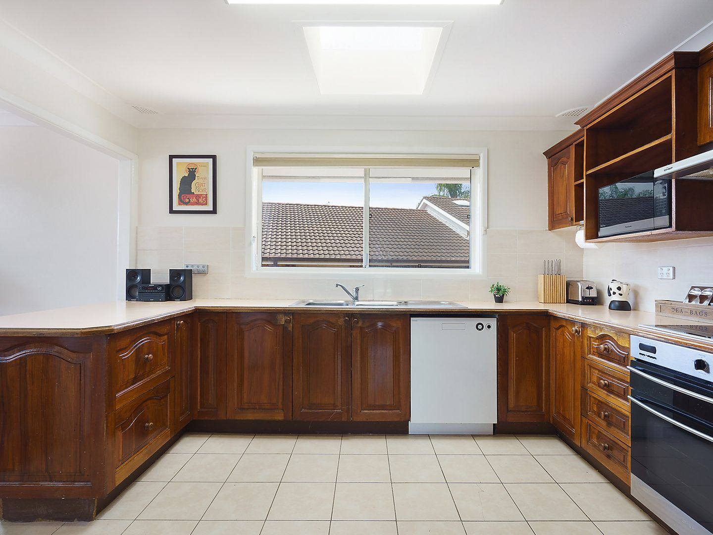 15 Bridgeview Road, Beverly Hills NSW 2209, Image 2