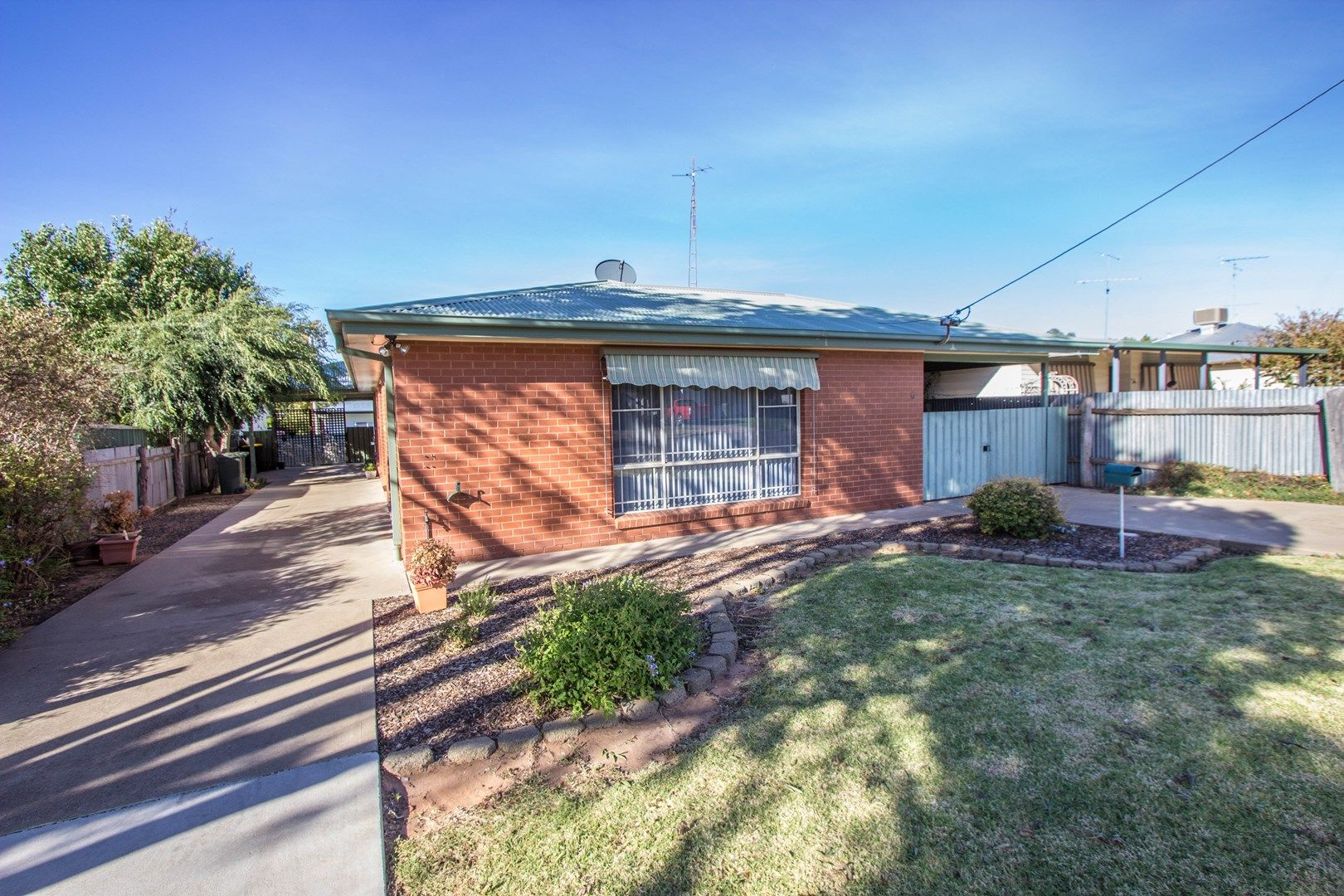 2/6 Crown  Street, Narrandera NSW 2700, Image 0