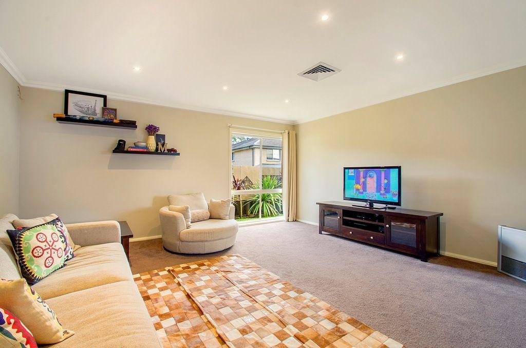 13 Honeyeater Crescent, Beaumont Hills NSW 2155, Image 1