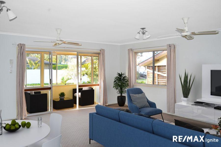 8 BUFFALO STREET, Riverhills QLD 4074, Image 2