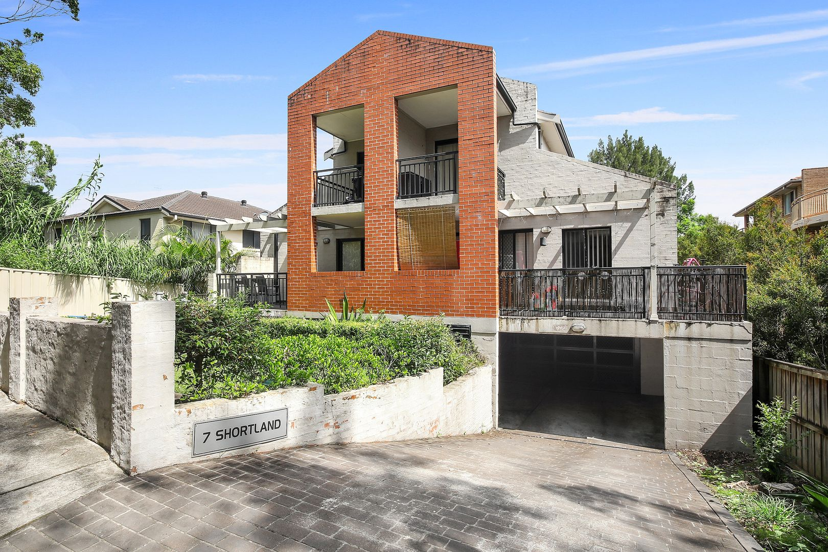 4/7 Shortland Street, Point Frederick NSW 2250, Image 0