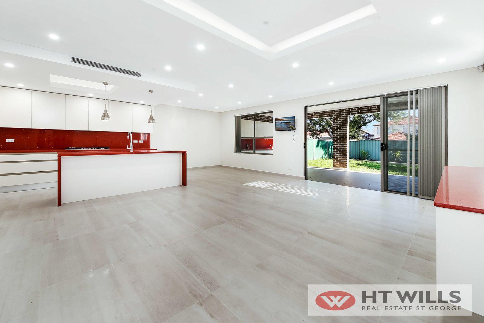 35 Donald Street, Hurstville NSW 2220, Image 2
