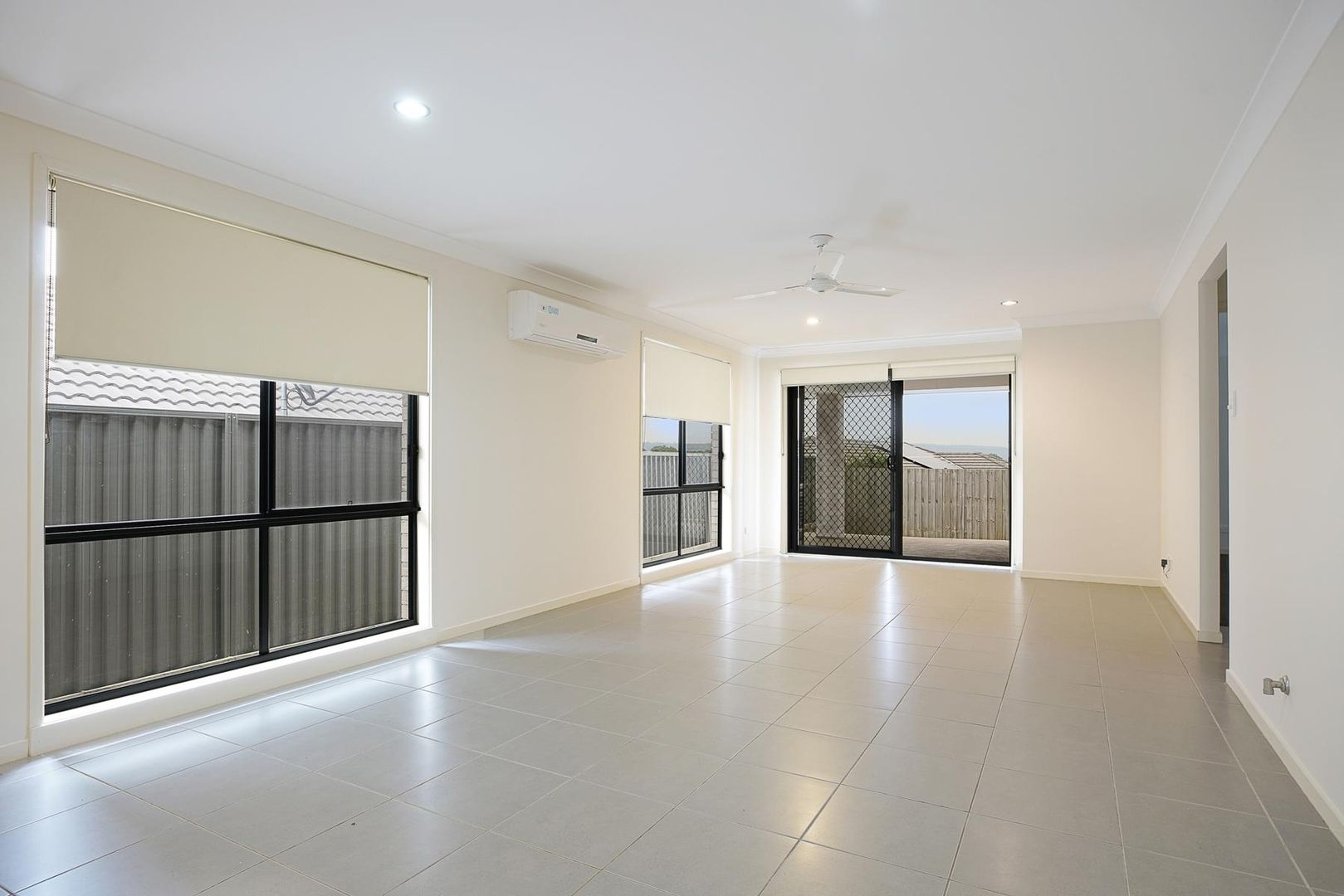 25 Blue View Terrace, Glenmore Park NSW 2745, Image 2