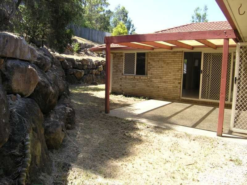 6 Pelewan Court, Tanah Merah QLD 4128, Image 2