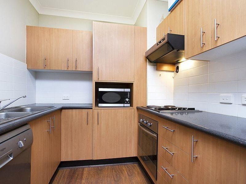 8/8 Kitchener Street, Coorparoo QLD 4151, Image 1