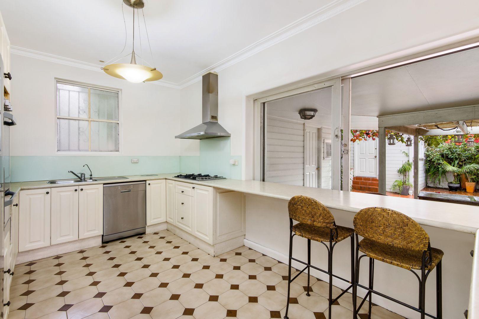 12 Riverdale Avenue, Marrickville NSW 2204, Image 2