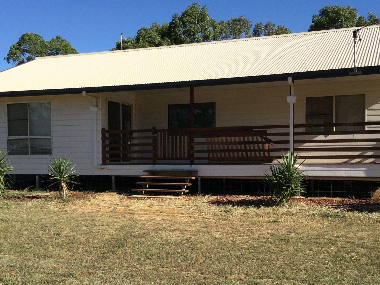 139 Goomburra Street, Hendon QLD 4362, Image 0