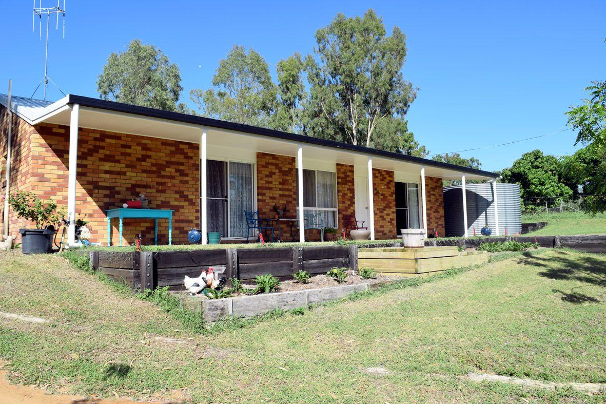 33 Dalgangal Road, Gayndah QLD 4625, Image 1