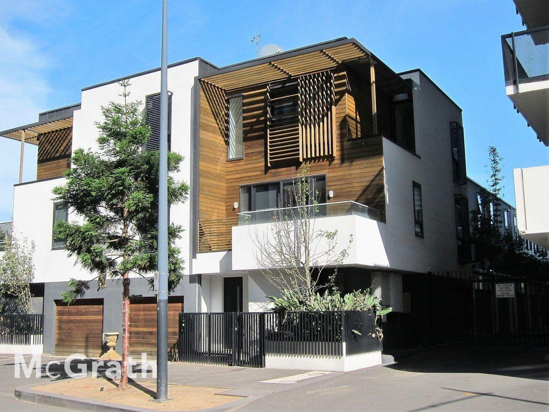17 Pearl River Road, Docklands VIC 3008, Image 0
