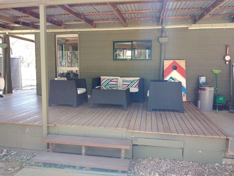 32 Falls Road, Esk QLD 4312, Image 2