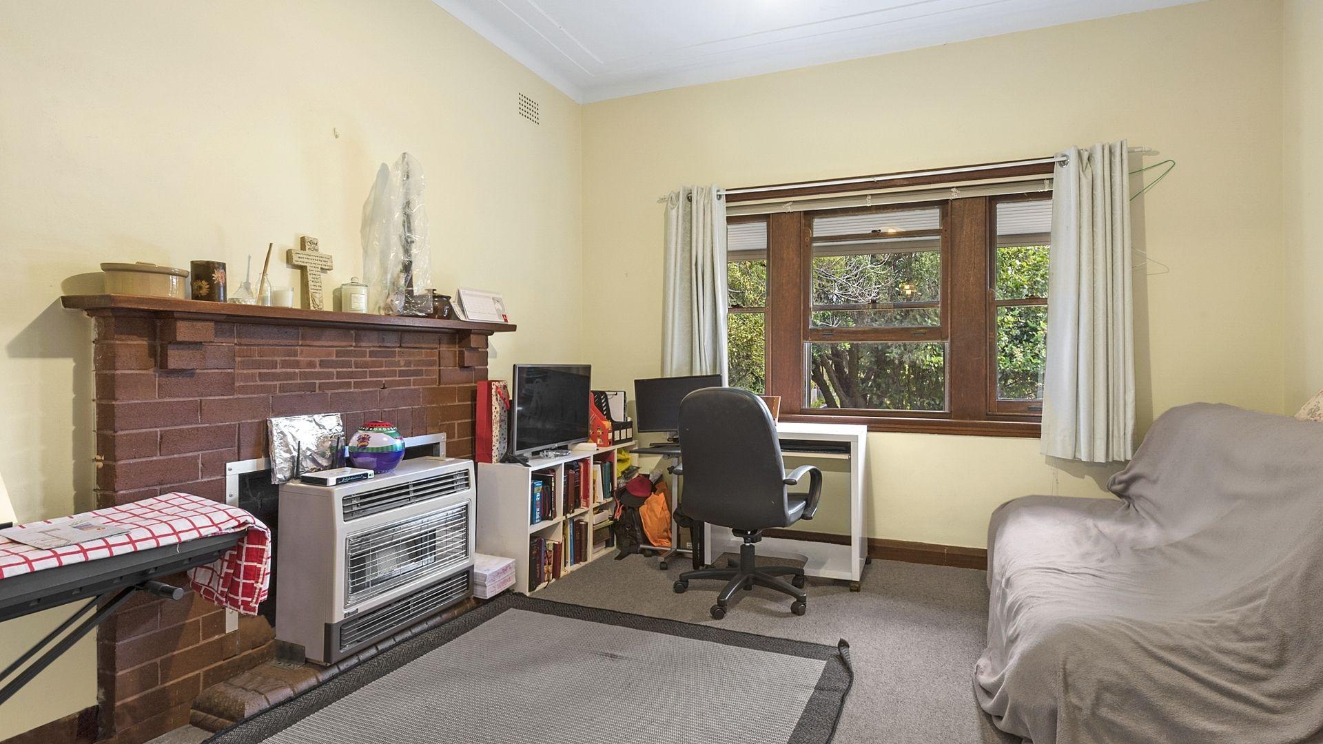 16 Balmoral Street, Waitara NSW 2077, Image 2