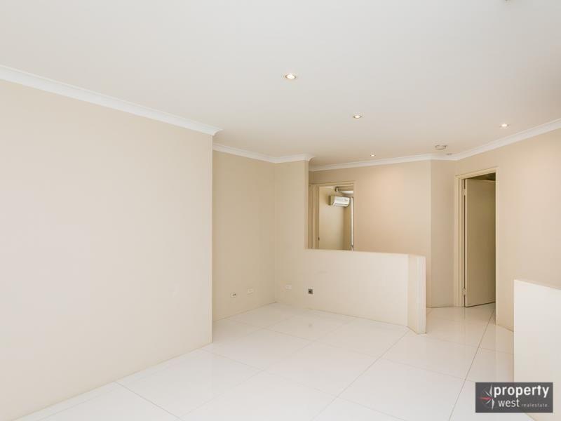 15 Reseda Elbow, Banksia Grove WA 6031, Image 2