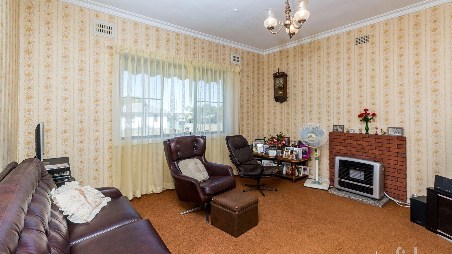 14 Kearneys Drive, Orange NSW 2800, Image 1