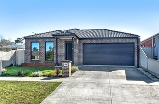 Picture of 16 Cartledge Avenue, Mount Clear VIC 3350