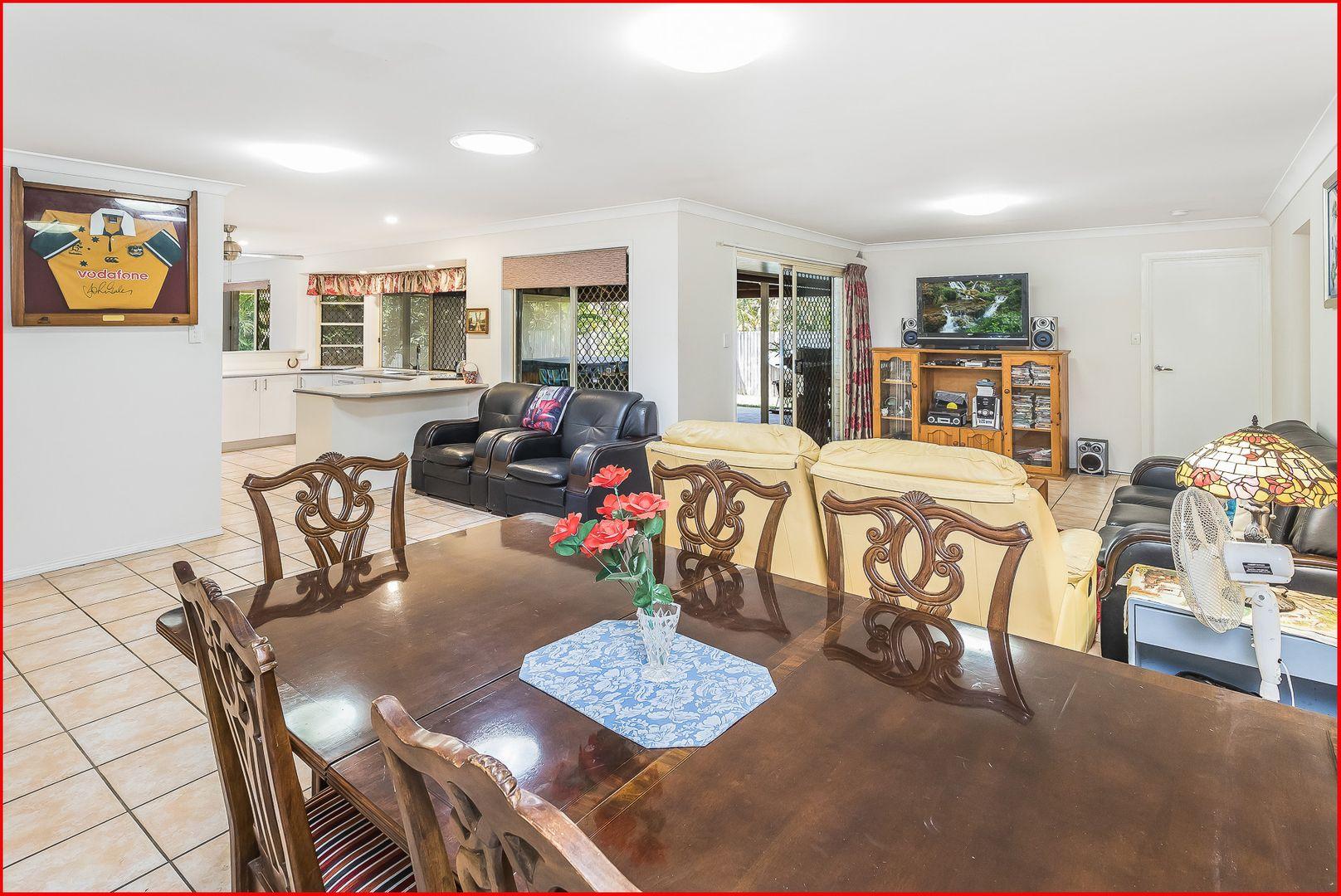 26 Mareeba Court, Arana Hills QLD 4054, Image 2