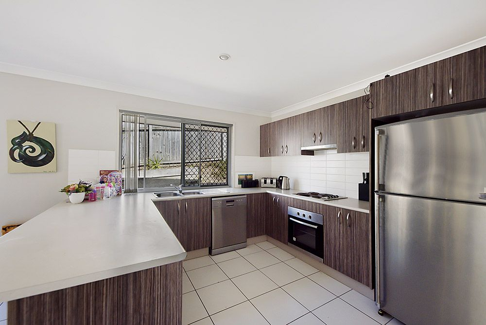 6 Catalunya Court, Oxenford QLD 4210, Image 2