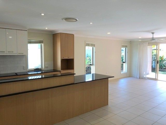 128/5 Easthill Drive, Robina QLD 4226, Image 2