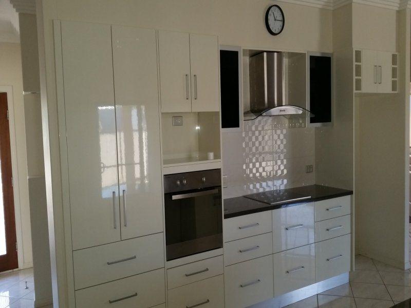 3 Roxburgh Street, Capella QLD 4723, Image 2