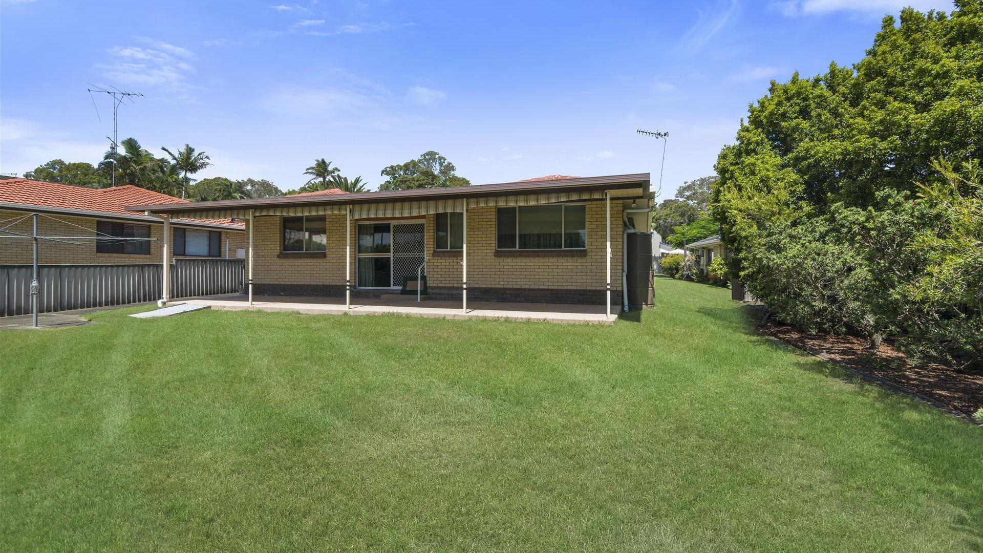 6 Bunya Place, Palm Beach QLD 4221, Image 2