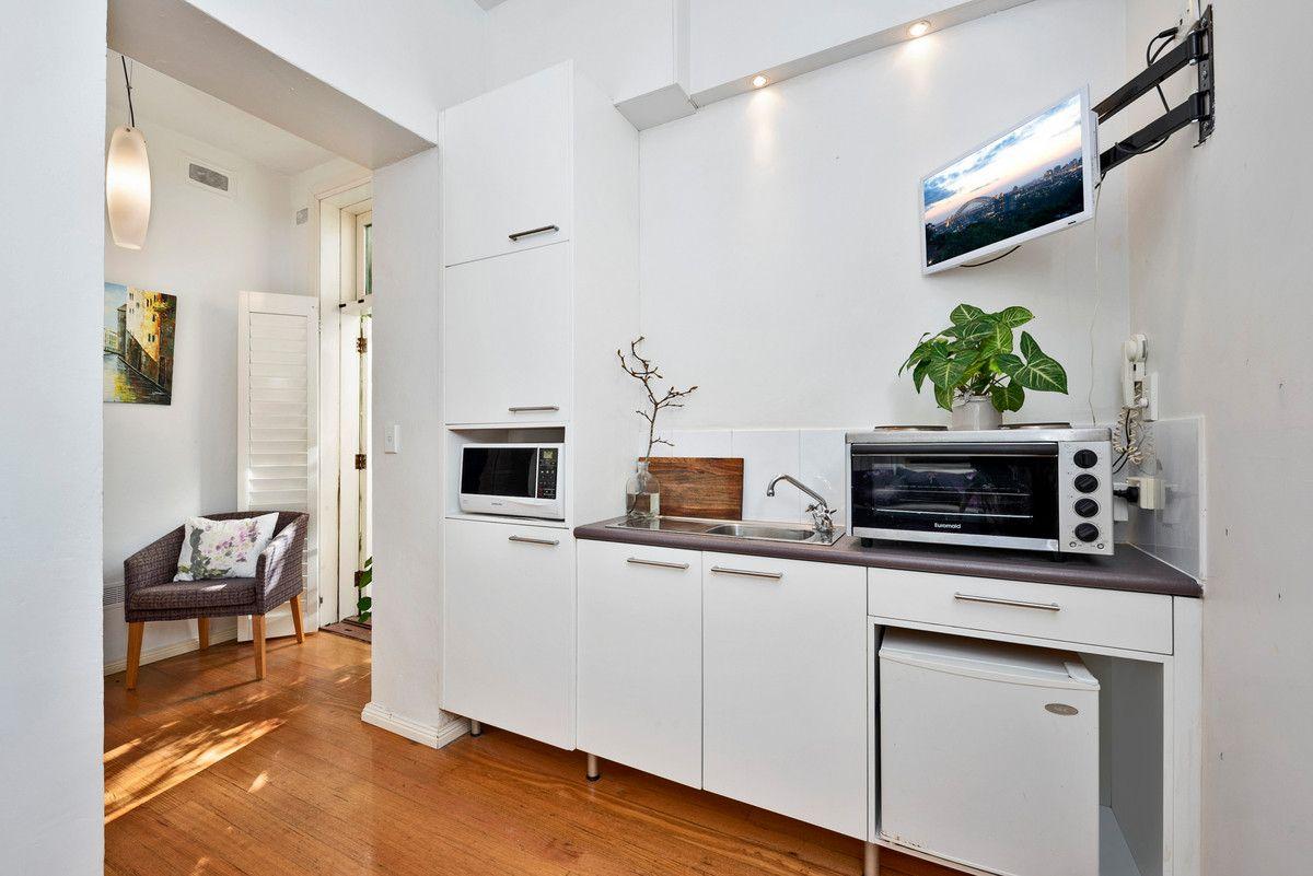 12/23 Waiwera Street, Mcmahons Point NSW 2060, Image 2
