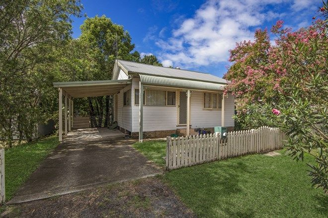 Picture of 32 Paton Street, WOY WOY NSW 2256
