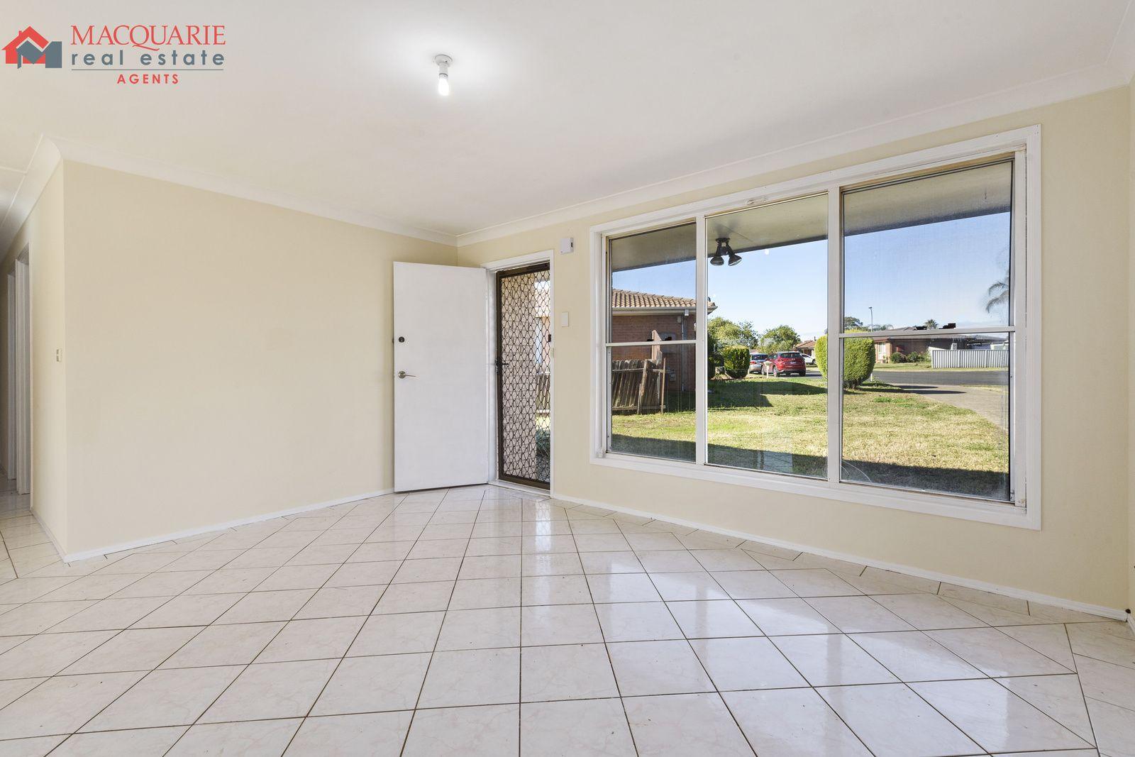 12 Wraysbury Place, Oakhurst NSW 2761, Image 1
