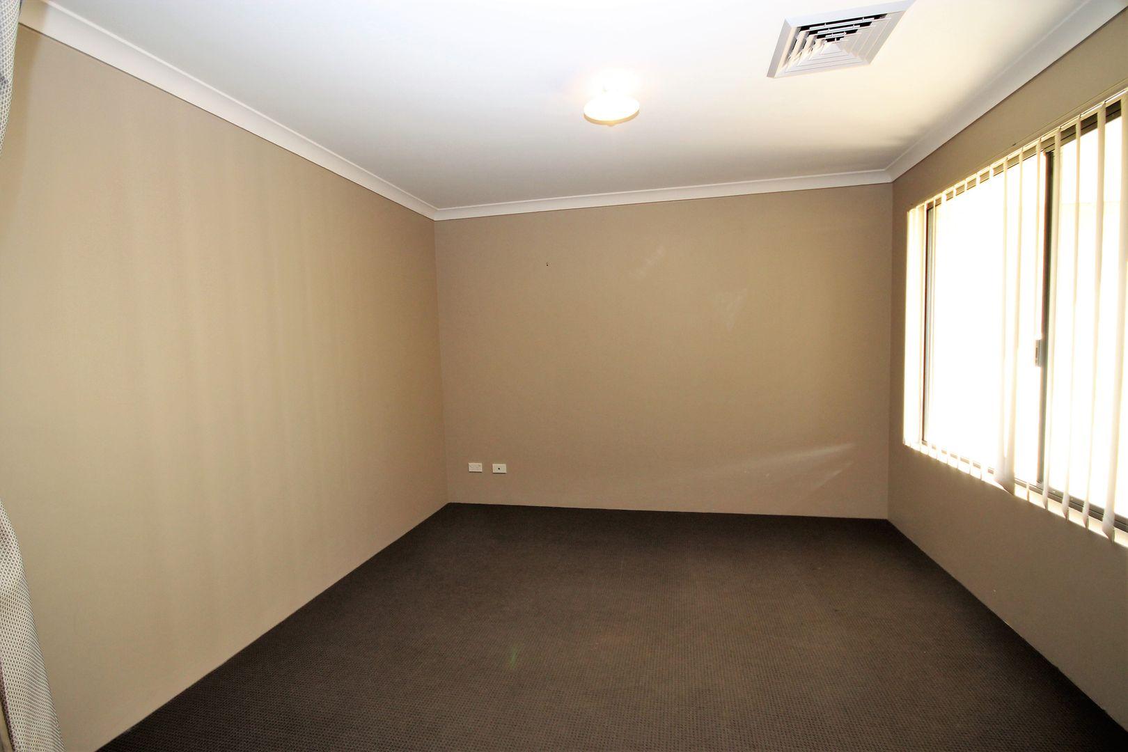 30 Burwood Road, Australind WA 6233, Image 1