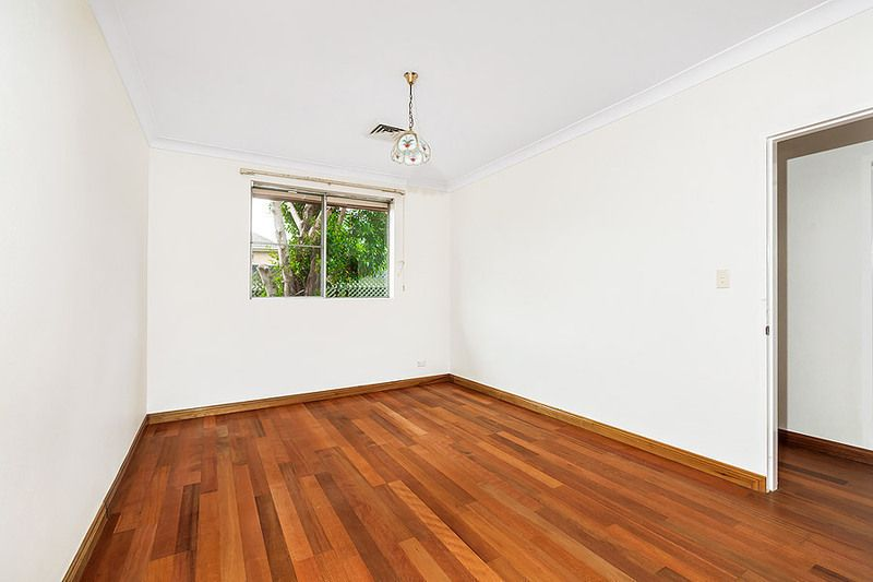 4/30 Llewellyn Street, Rhodes NSW 2138, Image 1