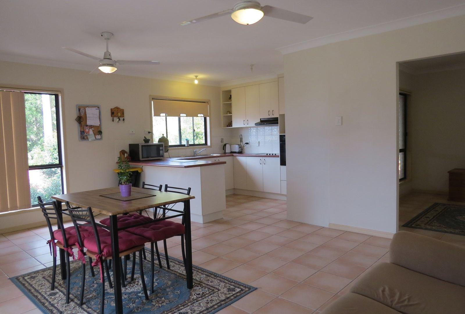 4 Vromans Court, Edens Landing QLD 4207, Image 2