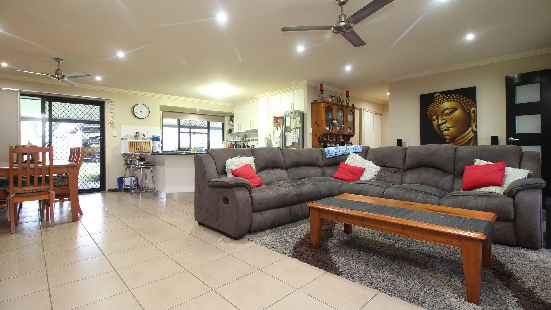16 Brokenwood Street, Emerald QLD 4720, Image 2