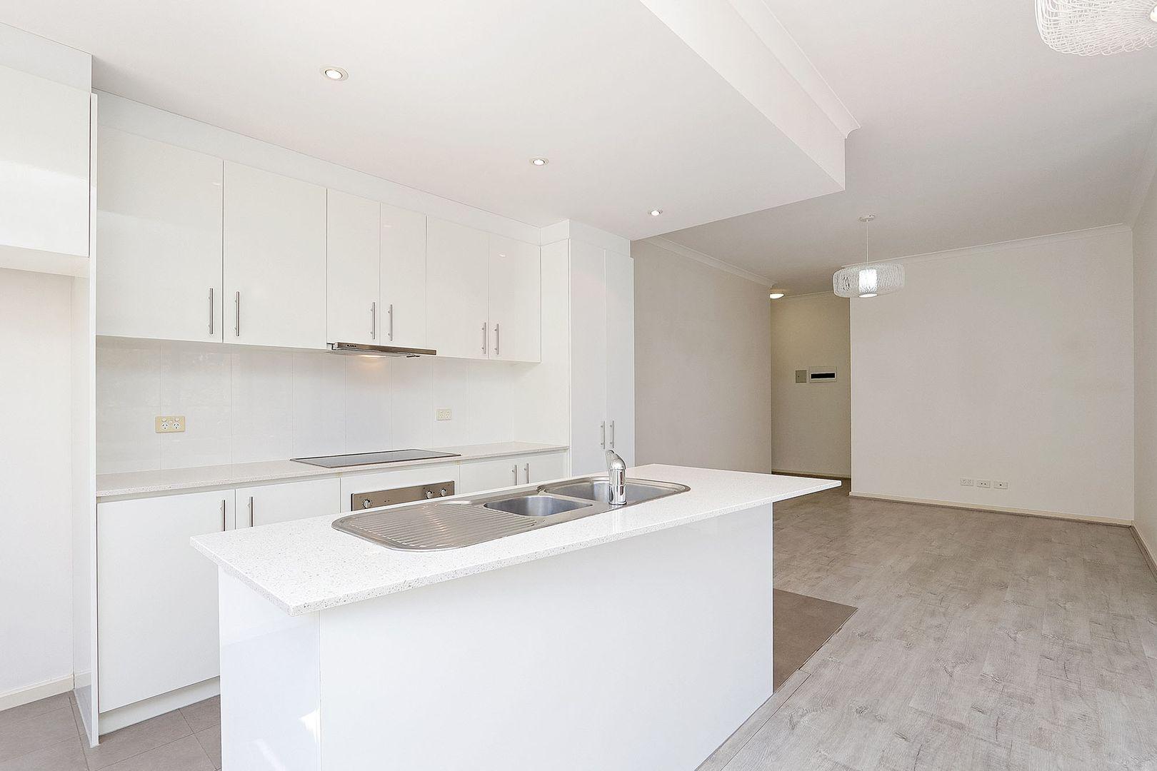 4/60 Newcastle Street, Perth WA 6000, Image 2