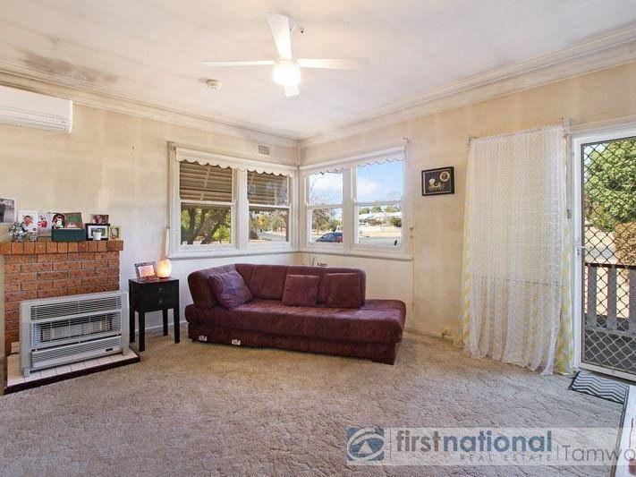 12 Central Avenue, Tamworth NSW 2340, Image 2